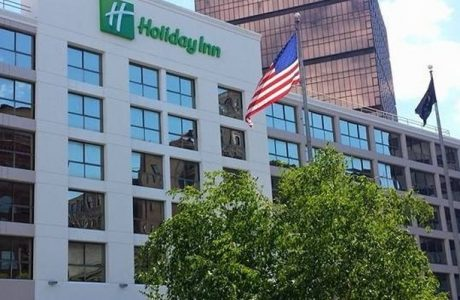Front of Holiday Inn Dowtown